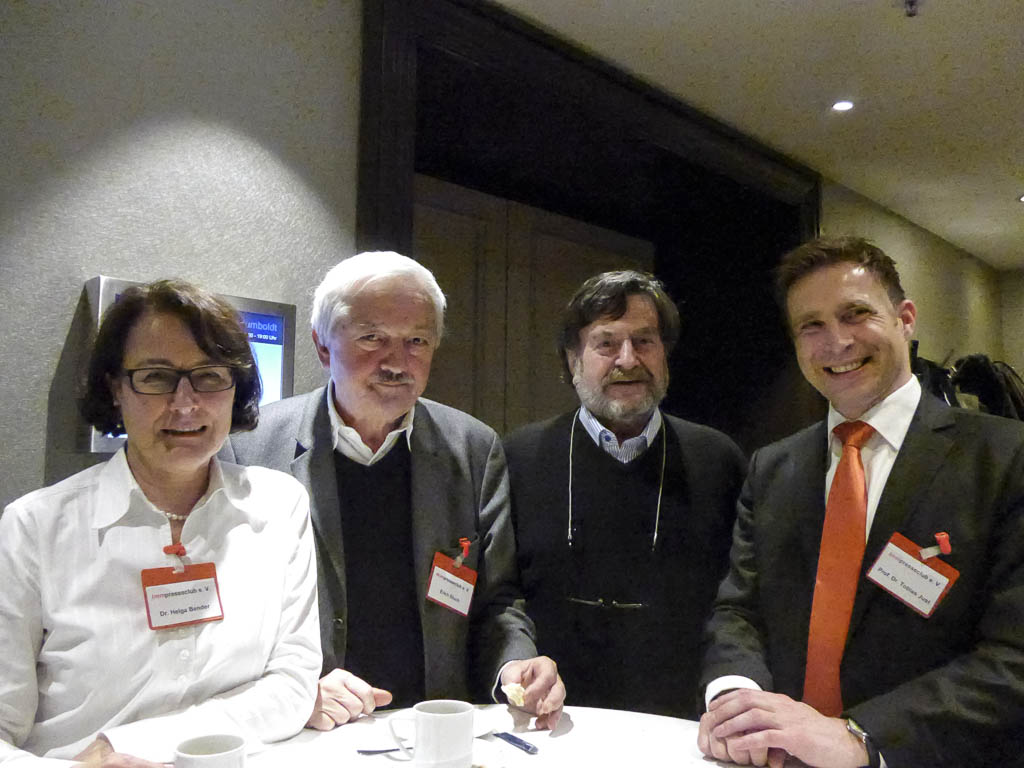 P Dr. Bender Deutsche Pfandbrief, Erich Gluch, Pino, und Prof. Just1020827-7